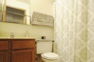 Edgerton_bathroom2