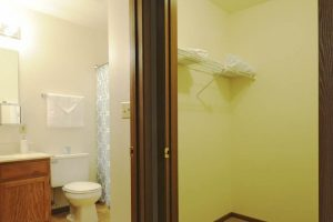 Edgerton_bathroom3