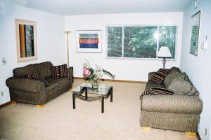 Monona-Shores-006-Apartments