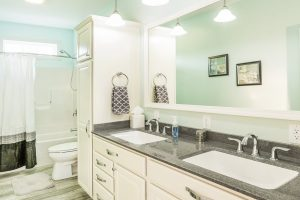 Residences-at-013-Oak-View
